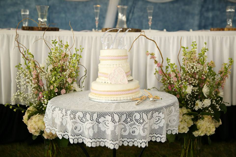 Hy-Vee wedding cake
