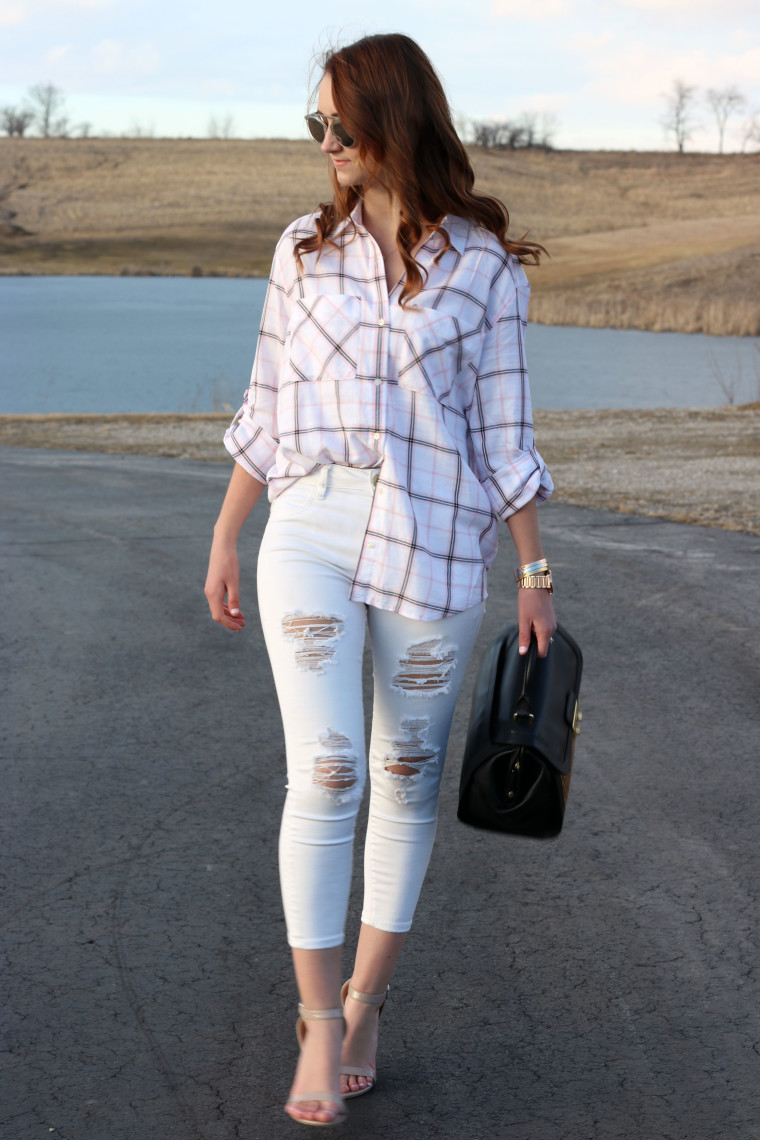 distressed jeans, American Eagle, plaid top,
