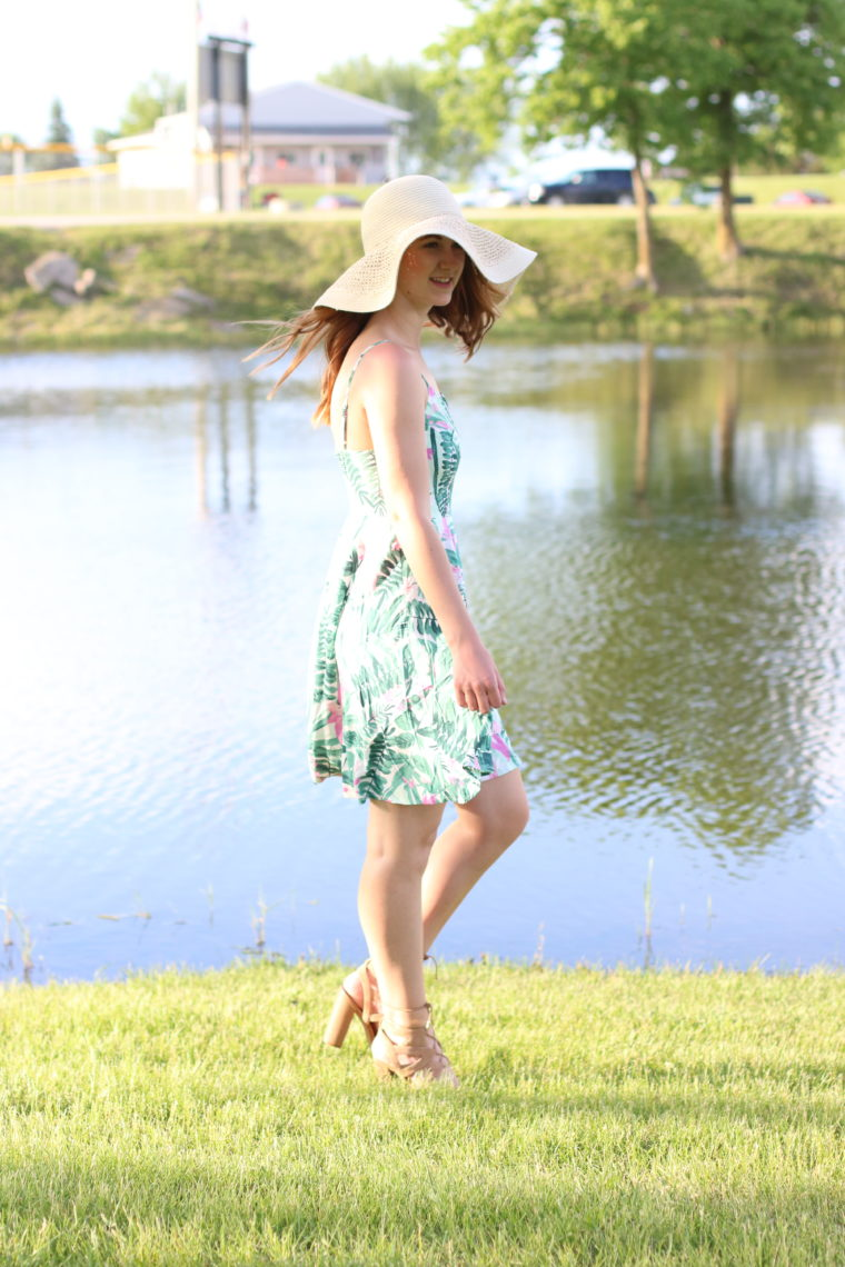 beach babe, floppy hat, palm tree dress, summer look
