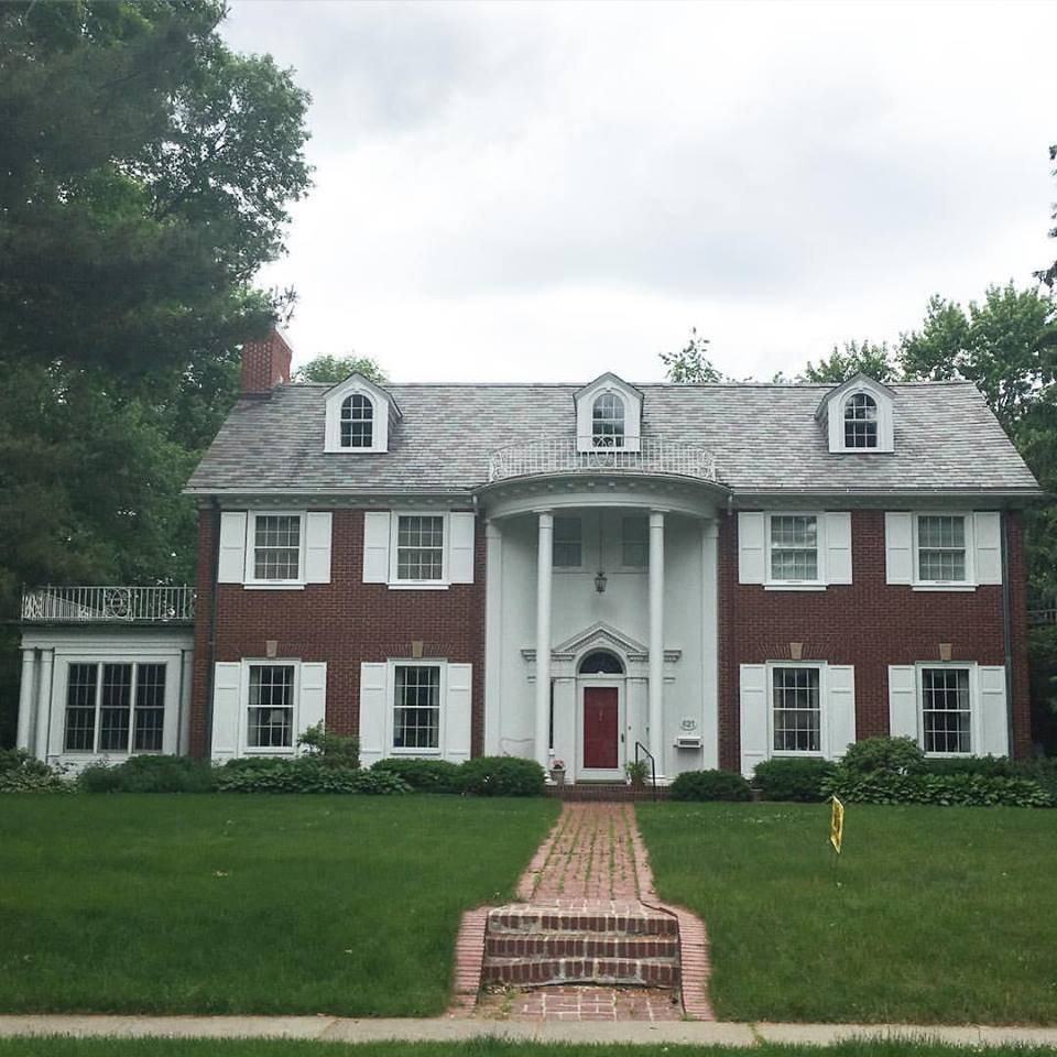 beautiful house, house goals, Iowa City, Iowa, Iowa homes, white pillars