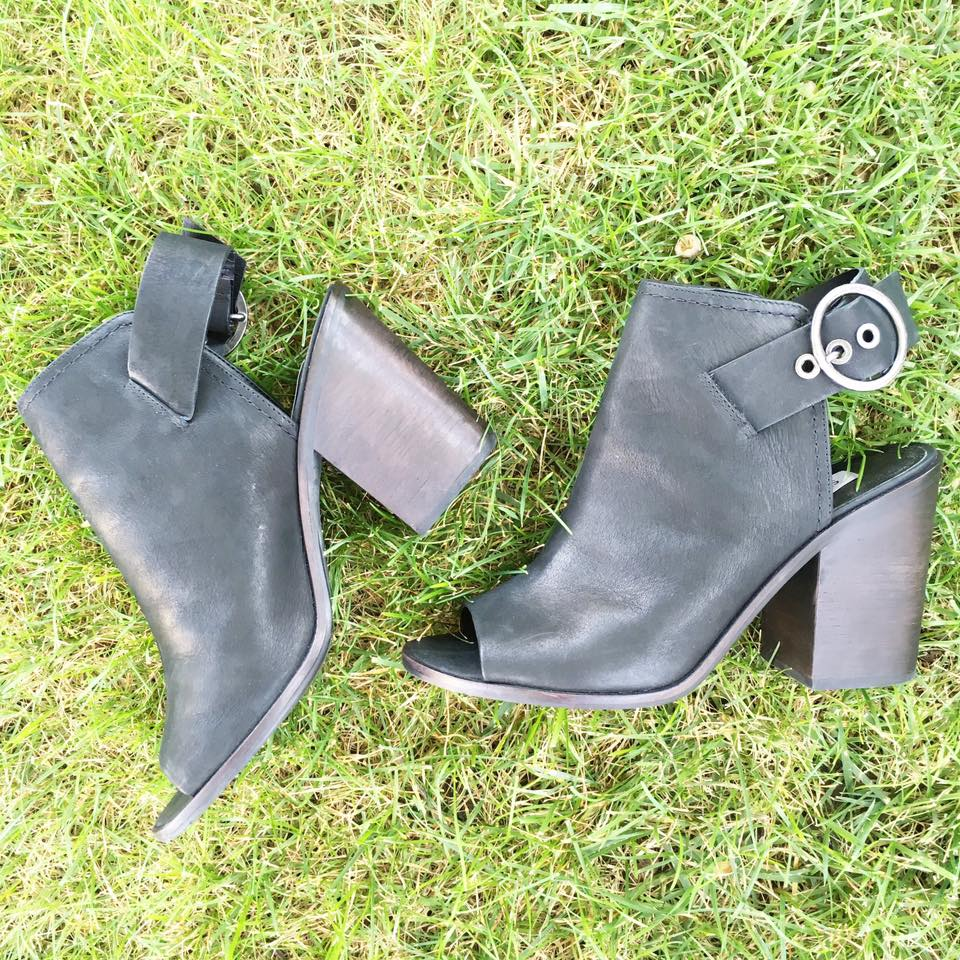 Steve Madden, booties, black booties, fall, buckles