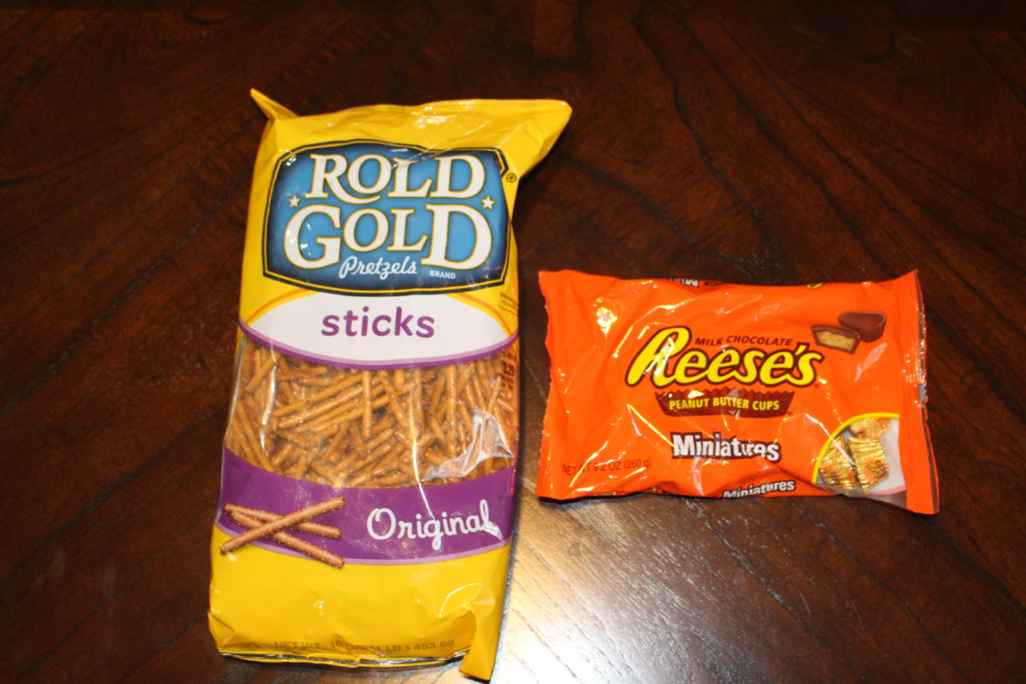 rold gold pretzels, reese's
