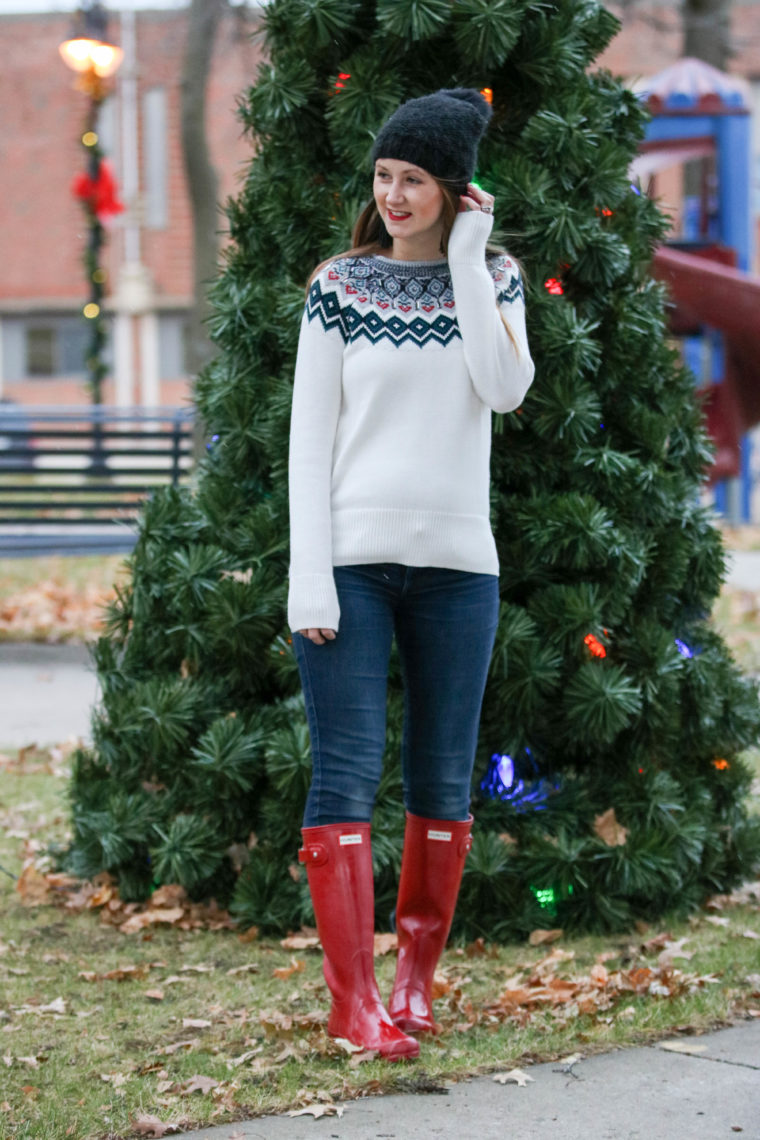 red hunter boots, holiday sweater, winter, Christmas tree
