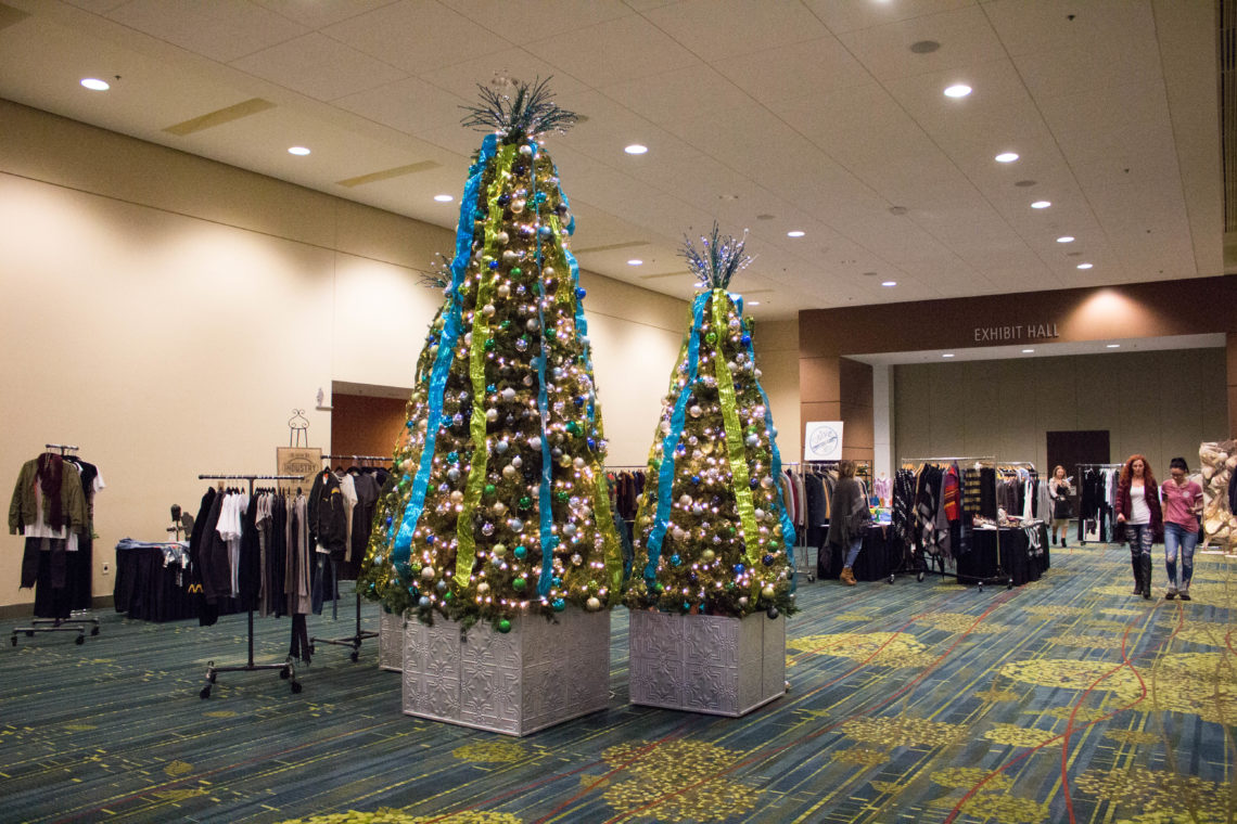 vendors, Sleigh The Runway, Iowa fashion show, Christmas tree