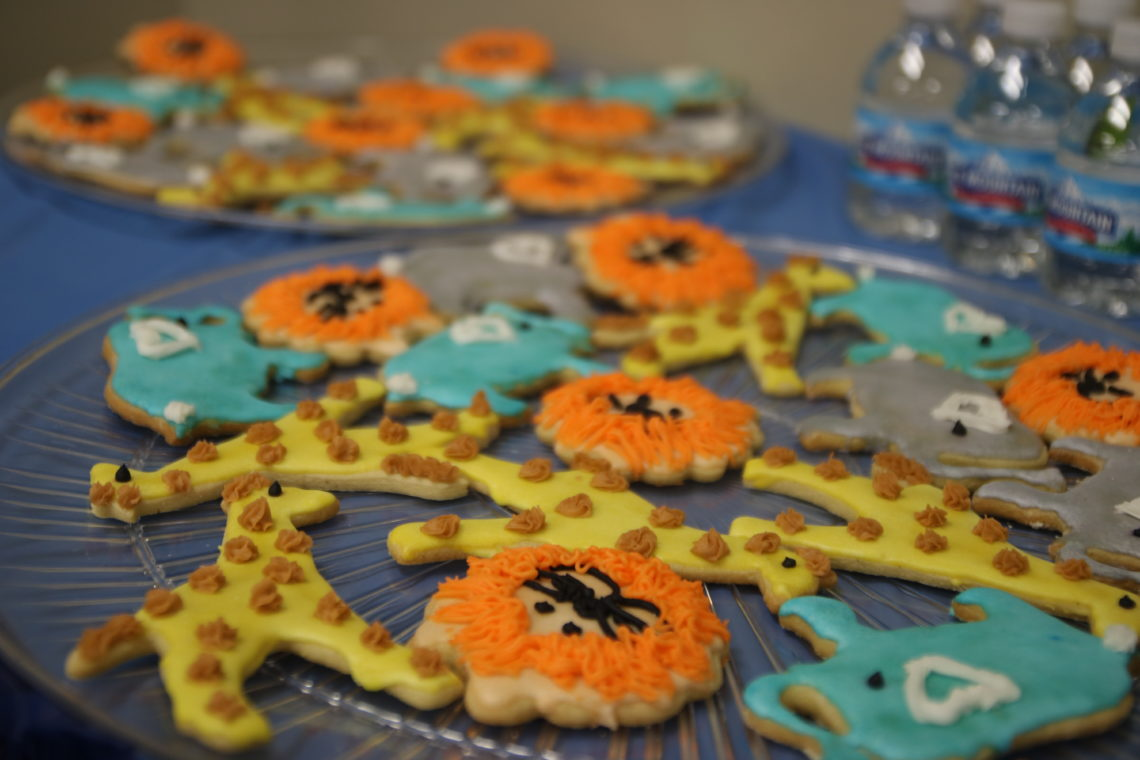 safari baby shower, safari animal cookies, safari baby shower food
