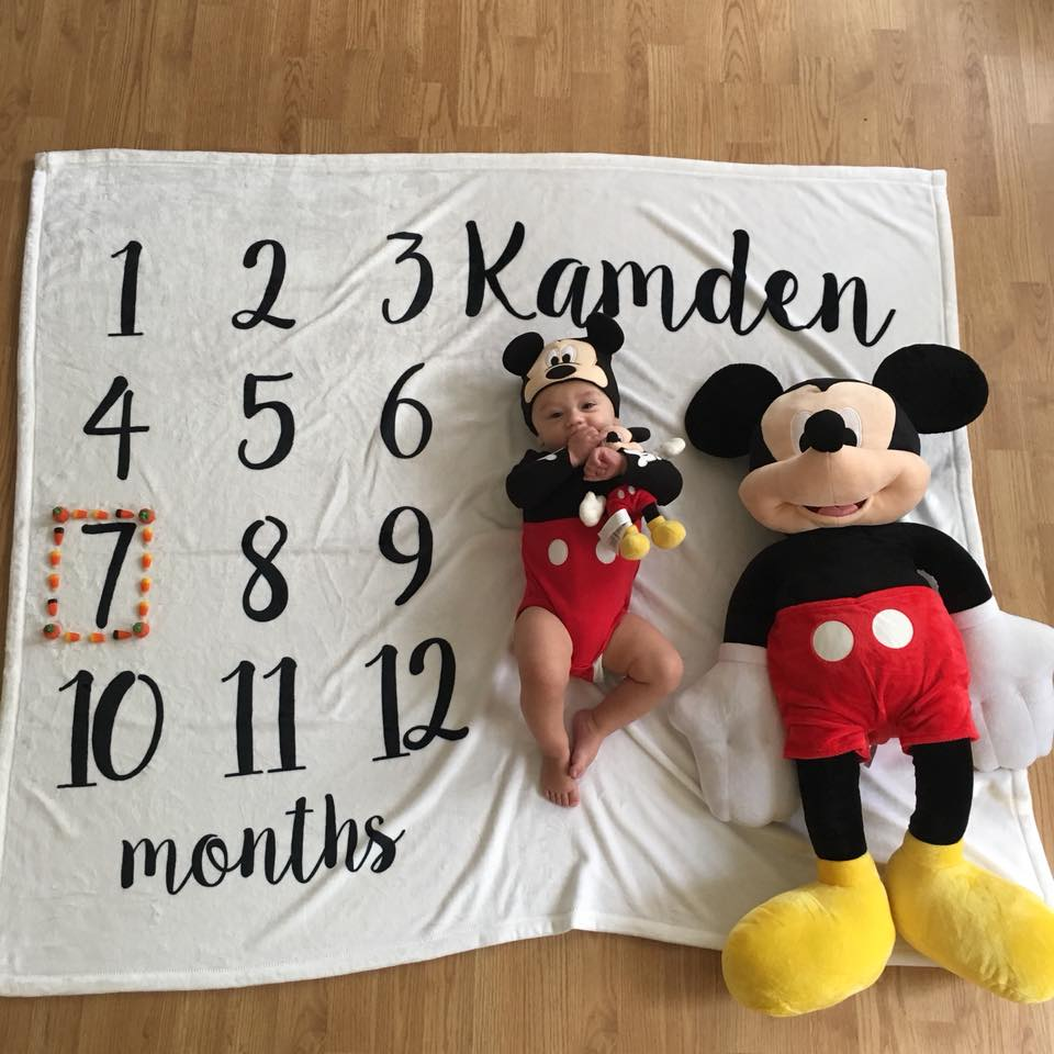 7 months old, Mickey Mouse, Mickey Mouse onesie