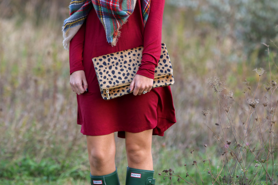 for the love of glitter, burgundy dress, Hunter boots, leopard clutch, fall style