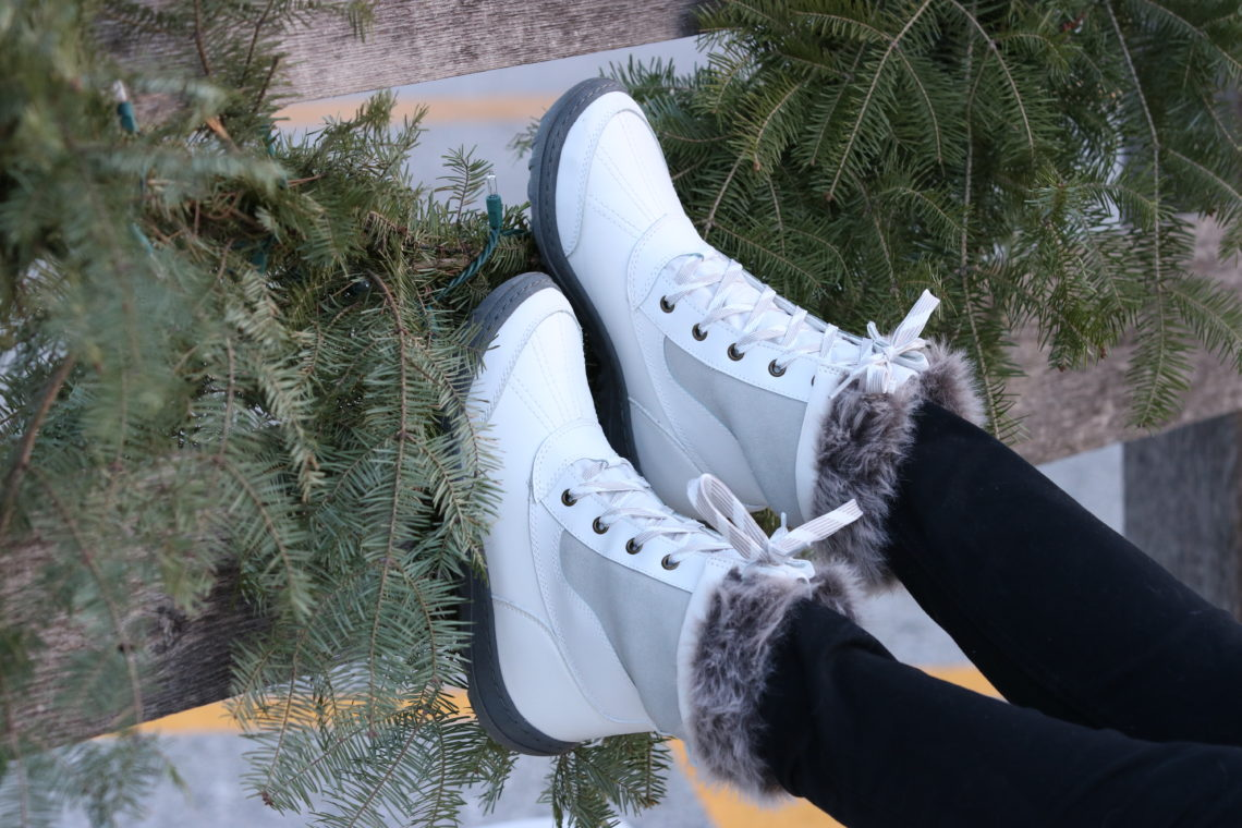 for the love of glitter, snow boots, white snow boots