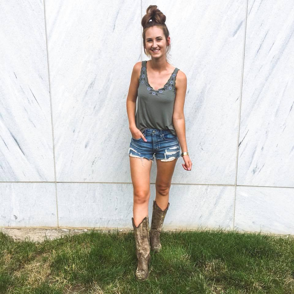 country concert, cowgirl boots, summer concert style