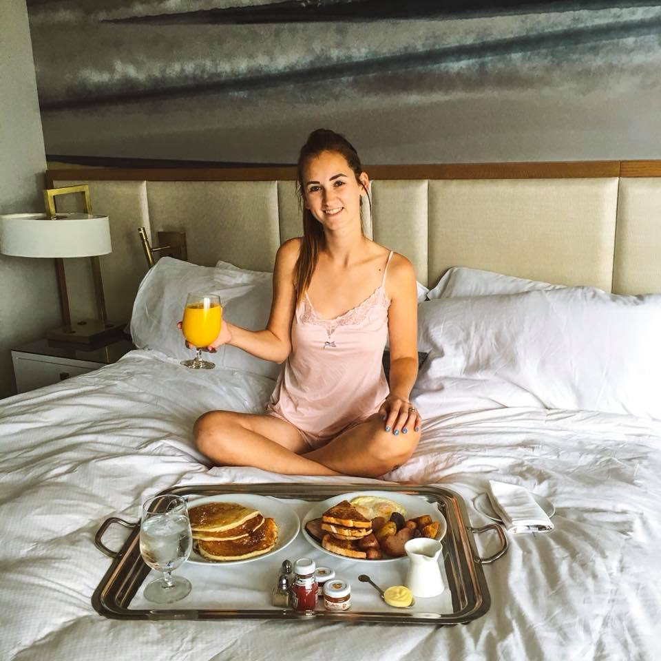 Loews Minneapolis Hotel, breakfast in bed, room service