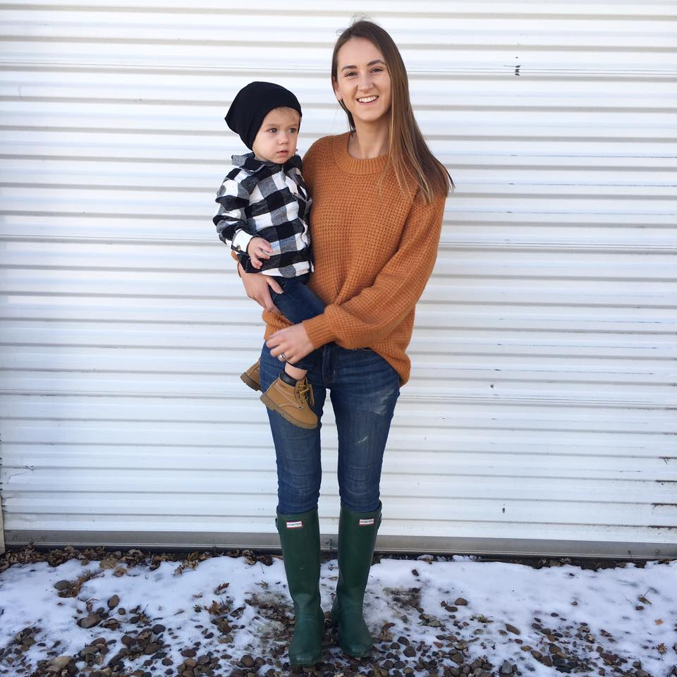 orange sweater, green Hunter boots, fall style, Thanksgiving outfits